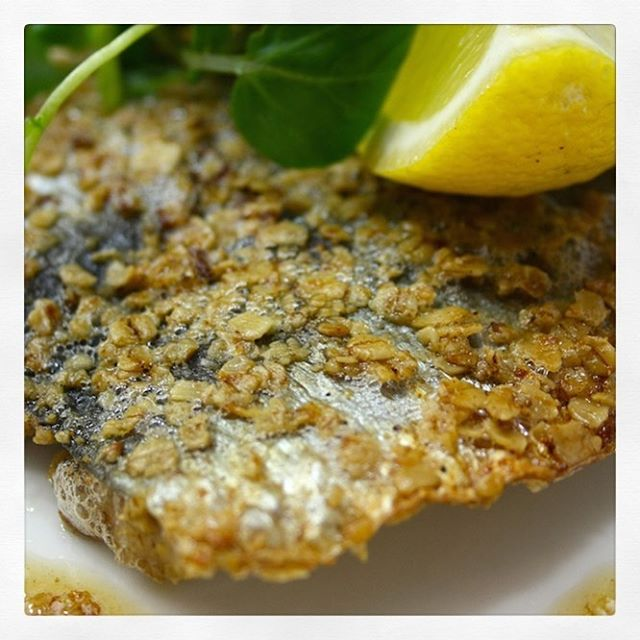 """🏴 SCOTTISH SCRAN🥬 . ⠀⠀⠀⠀⠀⠀⠀⠀⠀⠀⠀⠀ After my last post many of you asked for some traditional Scottish #homecooking #recipes that I grew up with. So I thought I'd start with #herring in #Oatmeal with potato salad. A tasty & nourishing dish combining several items which form staples of #Scottishcuisine. In the early 19th century, coastal communities in #Scotland discovered enormous shoals of """"silver darlings"""", or herring in fishy abundance. Seaside communities prospered because of this marine bounty. A quite affordable fish, the humble herring became known as the food of the poor over the years. Rich in #omega3 & with the gutsy flavours of fresh sardines but lots more juicy flesh, herring is a highly nutritious choice. A resilient species & #sustainable choice, often caught using fishing methods that are relatively selective in terms of bycatch & non-damaging to the seabed, could it be a modern day delicacy? . ⠀⠀⠀⠀⠀⠀⠀⠀⠀⠀⠀⠀ Ingredients * 200g new potatoes * 50g kale coarsely chopped * ¼ cucumber seeds scooped out with a spoon, thickly sliced * #Applecidervinegar * #EVOO * Sliced radishes * 1 egg whisked * Tsp wholegrain mustard * Lemon juice & zest * 2 handfuls oatmeal * salt & pepper * 6 herring fillets . ⠀⠀⠀⠀⠀⠀⠀⠀⠀⠀⠀⠀ ▶️POTATO SALAD & DRESSING: boil new potatoes in large pan of salted water until tender. Add kale, radish & cucumber to steam above the pan 3 minutes before potatoes are ready. When tender, drain well. Whisk together vinegar, EVOO, mustard & lemon juice until well combined. Season to taste. Place potatoes, kale, radishes & cucumber into serving bowl & drizzle over the dressing. . ⠀⠀⠀⠀⠀⠀⠀⠀⠀⠀⠀⠀ ▶️HERRING: Sprinkle oatmeal on a plate, add lemon zest & season. Dip fillets into whisked egg then roll & press into seasoned oatmeal until completely covered. Heat oil in a large frying pan over medium heat. Add coated herring fillets to the pan, skin-side up. Gently press down on each fillet so that they stay flat. Fry for 1-2 mins, then turn for a further 1-2 mins u"""