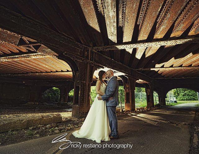 All we need is a little rusty metal and we're happy. 😍 . . .  #rickyrestianophotography #rickyrestiano#weddingphotographer#westchesterweddings #nywedding#photography #photoshoot#photographer #photo #bride #brides #groom#love #photooftheday#weddinginspiration #strictlyweddings #weddingdream #weddingdiary#RRPricky