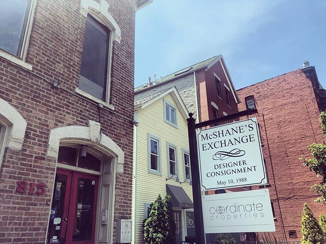 @coordinateproperties has officials hung out their shingle (idiom) • come visit the team in Lincoln Park! #realestate #commercialrealestate #commercialleasing #lp #lincolnpark #armitageandhalsted #chamberofcommerce #lpcc #investment #commercialbrokerage #coordinateproperties