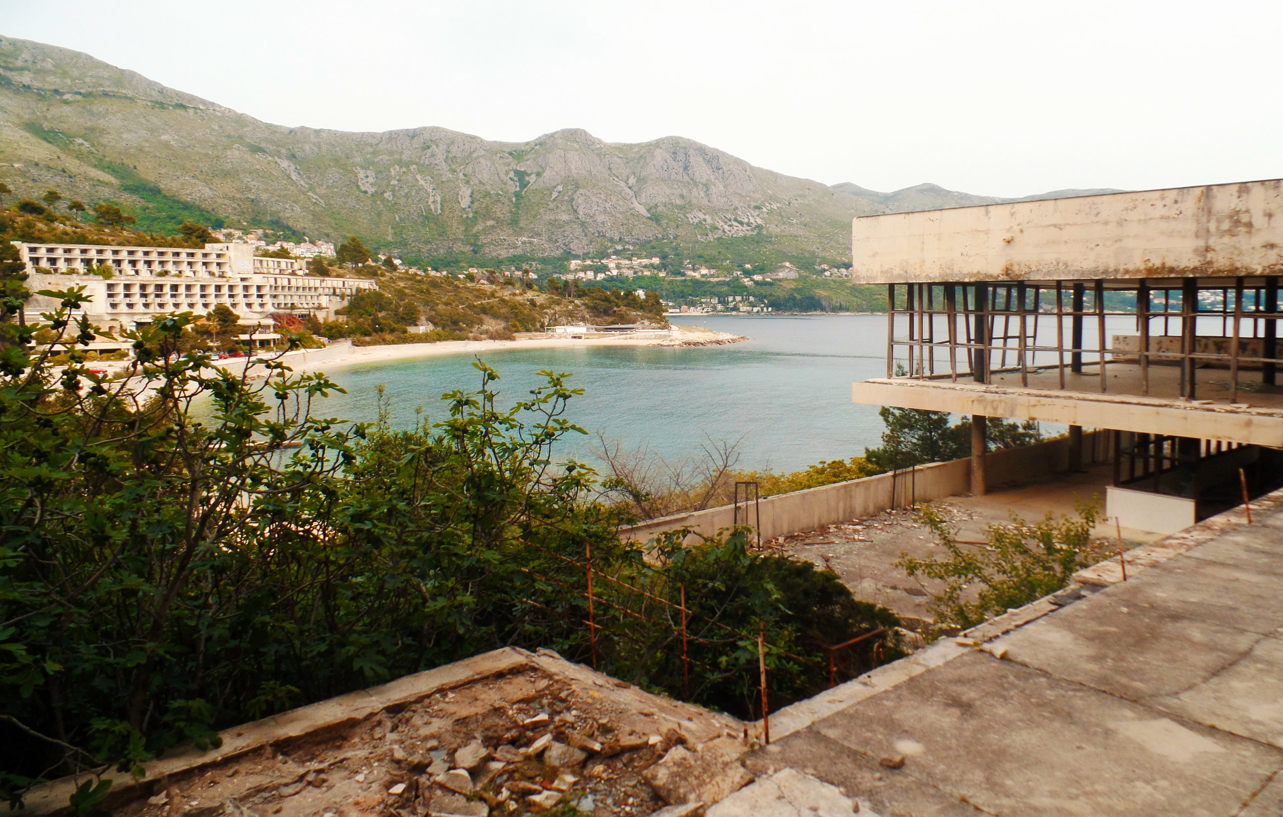 Bay Of abandoned hotels 3.jpg