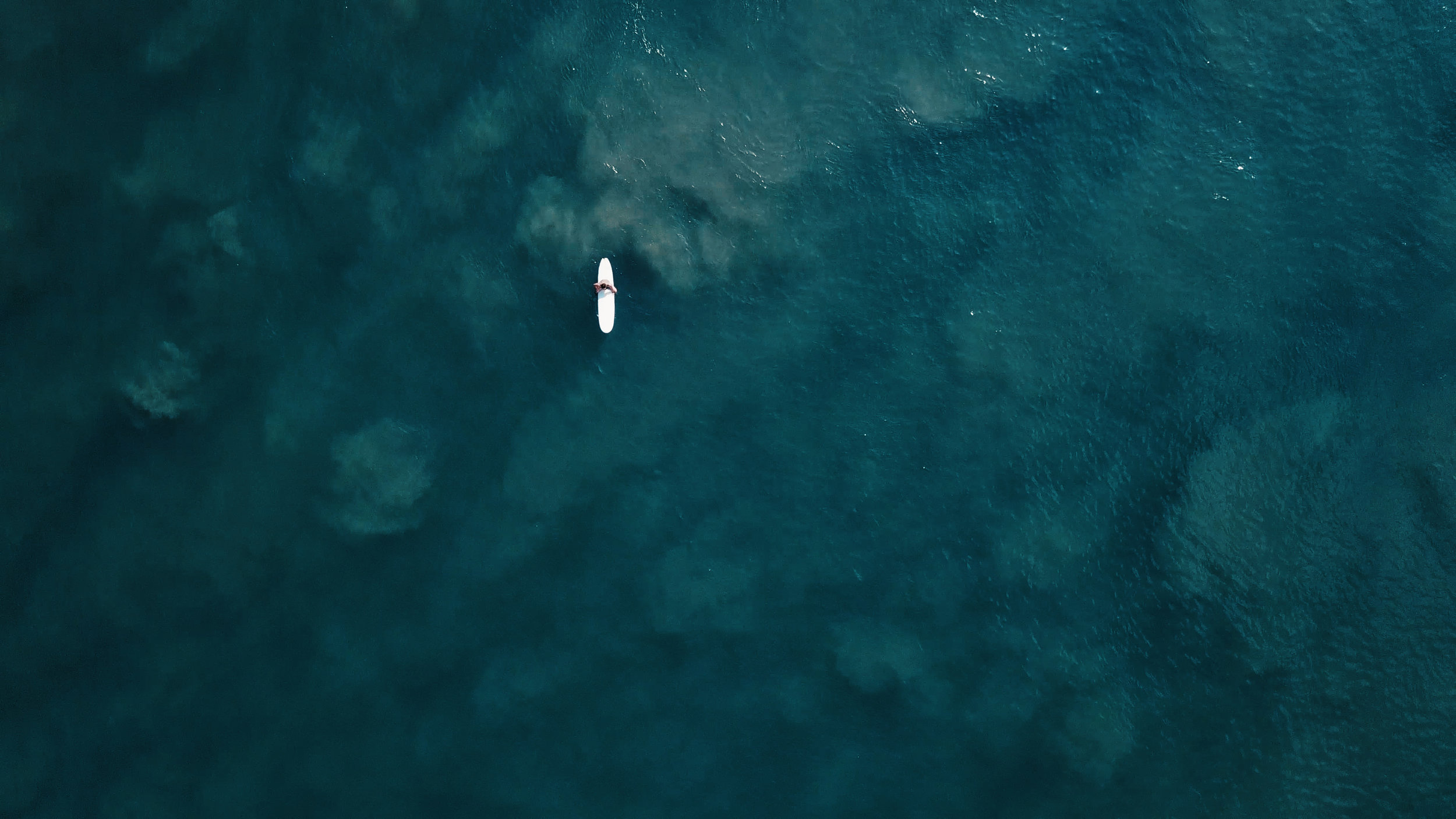 The Solo Surfer