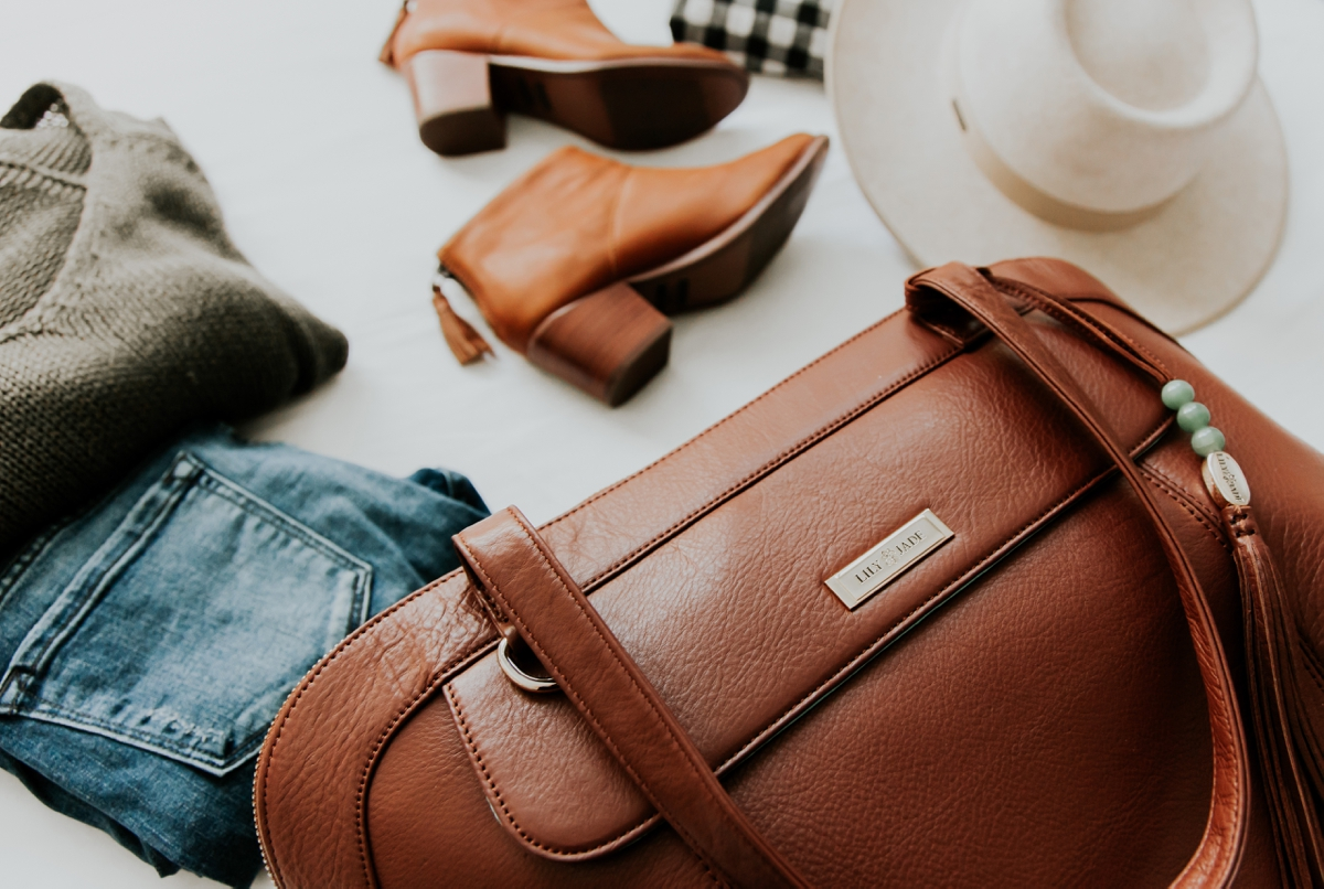 Kandis_Marino_Photography_Lifestyle_Lily_Jade_Mom_Blogger_Diaper_Bag_Weekender_Bag_0011.jpg