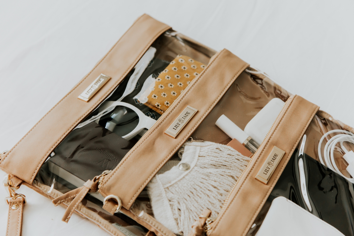 Kandis_Marino_Photography_Lifestyle_Lily_Jade_Mom_Blogger_Diaper_Bag_Weekender_Bag_0014.jpg