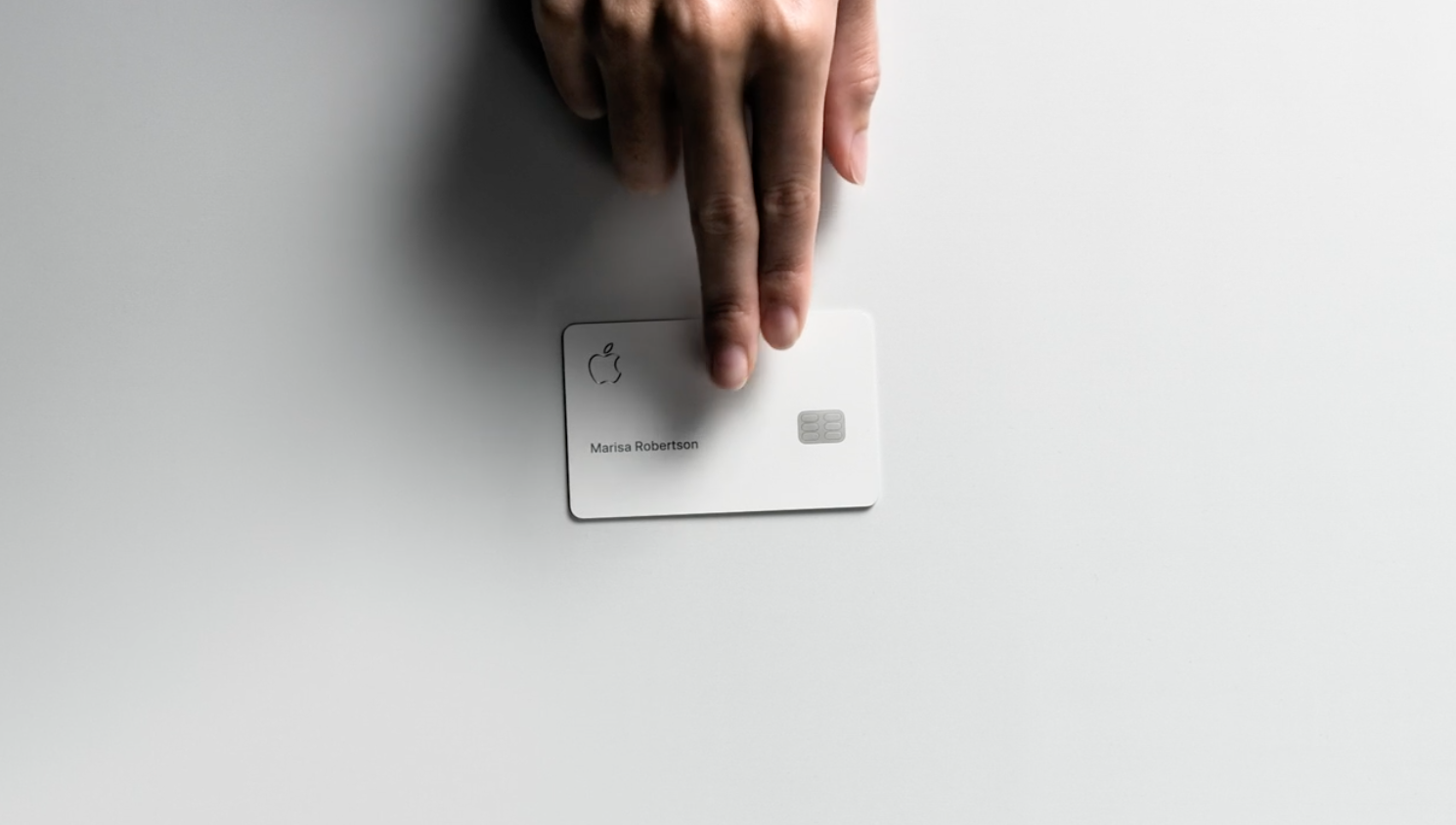 AppleCard-hand.png