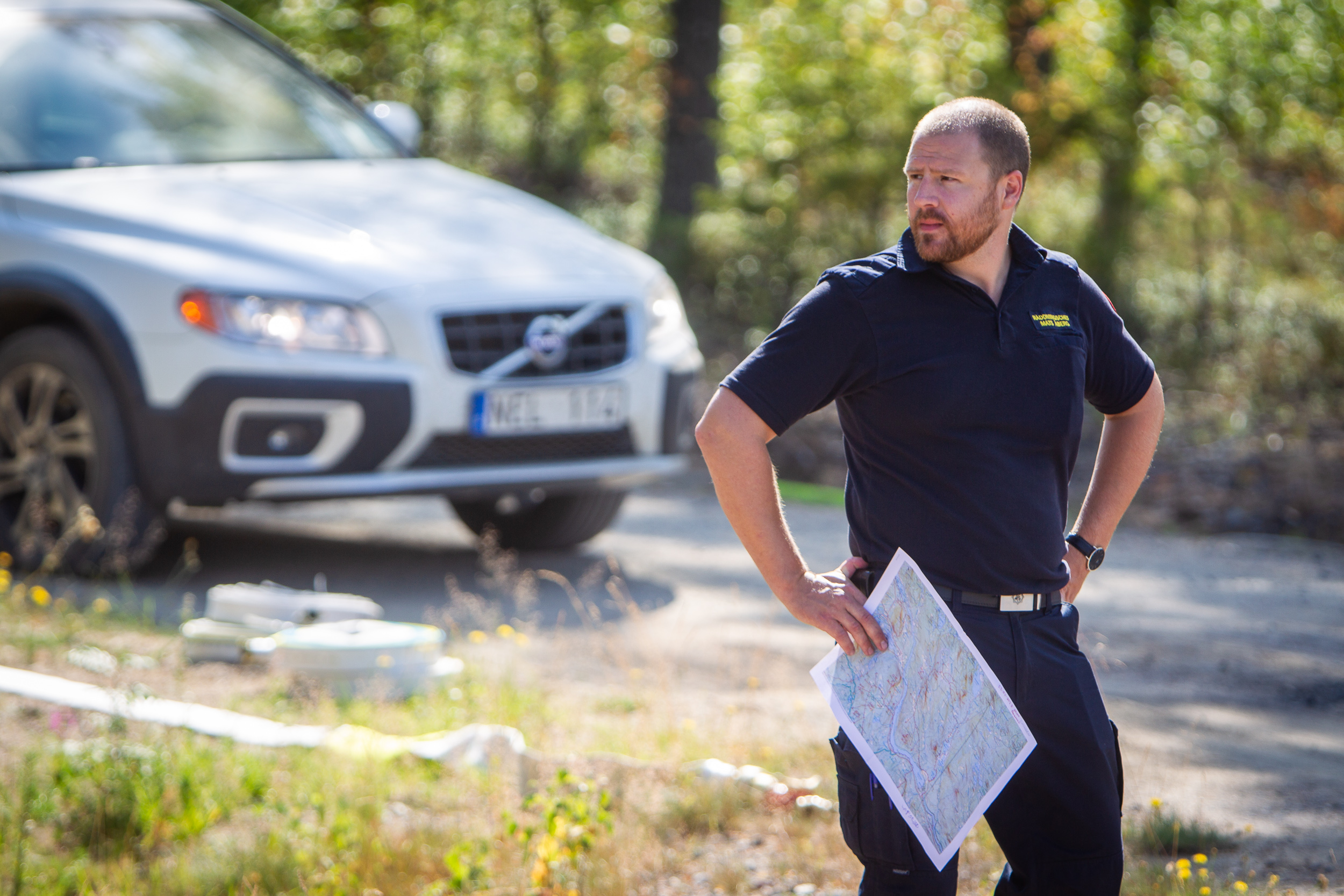 A coordinating officer on-site of the largest forest fire in Swedish history. Firefighters from Italy, Poland, France and Denmark joined the efforts.