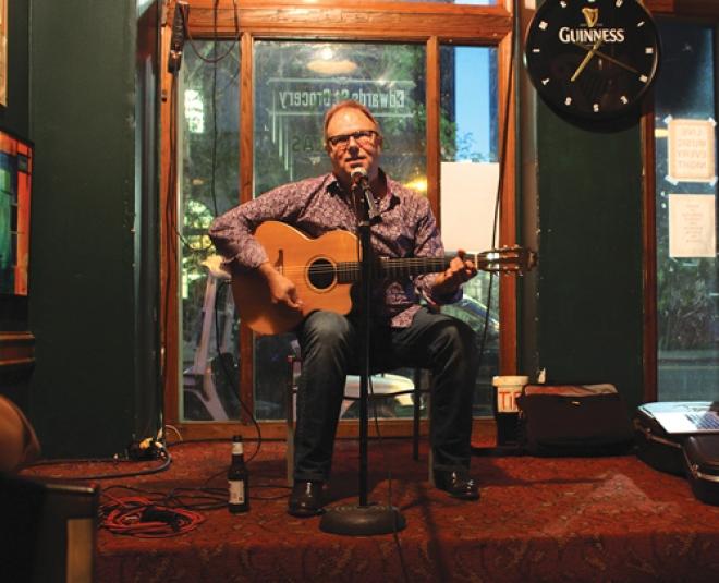 michael-acoustic.jpg