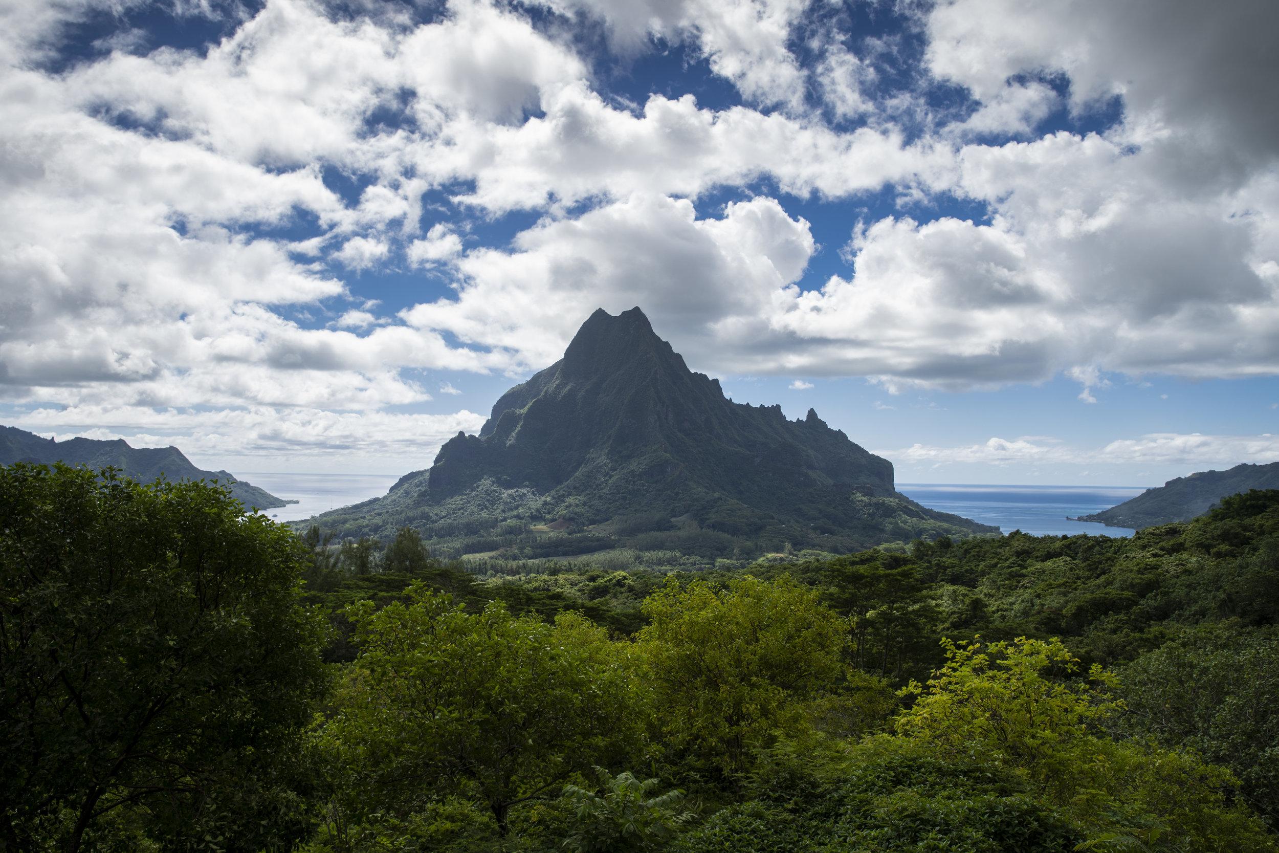 Belvedere Lookout   Mo'orea