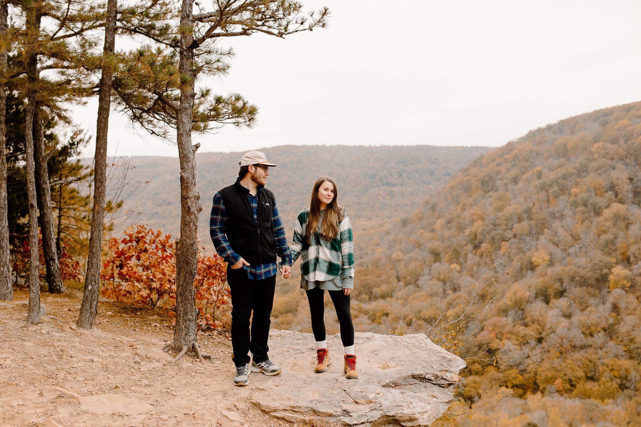 hawksbill crag engagement photos