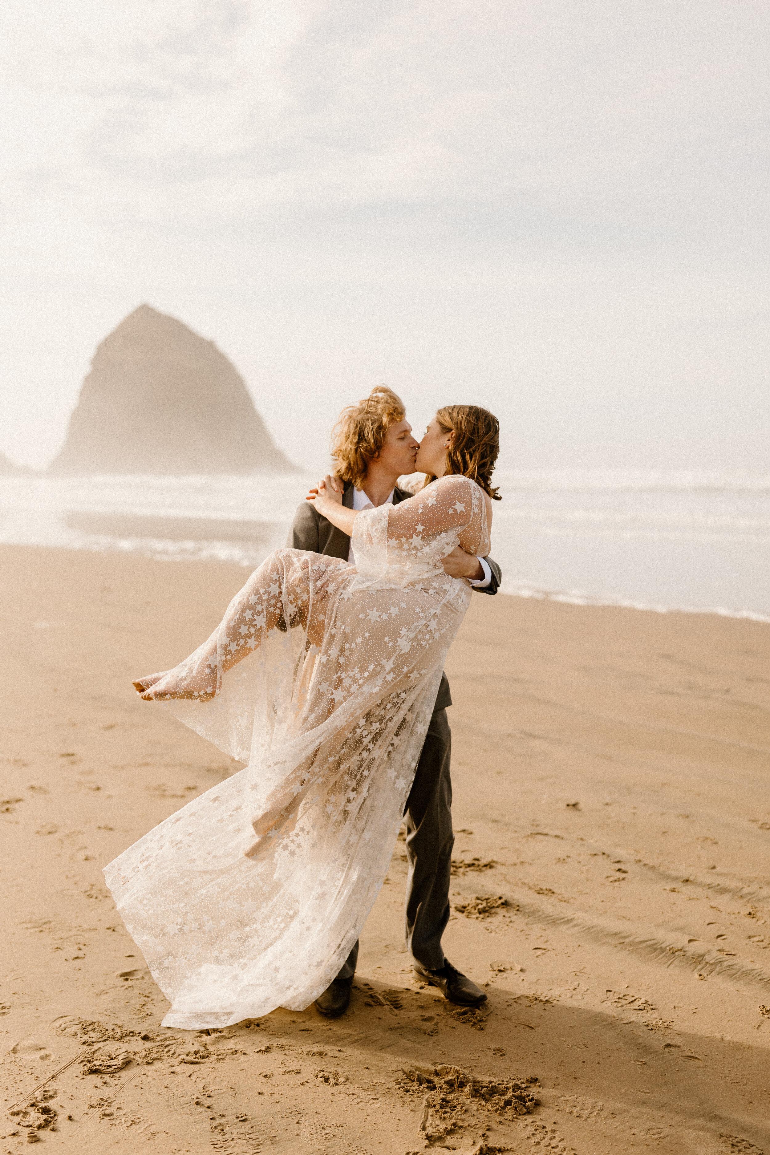 cannon beach elopement