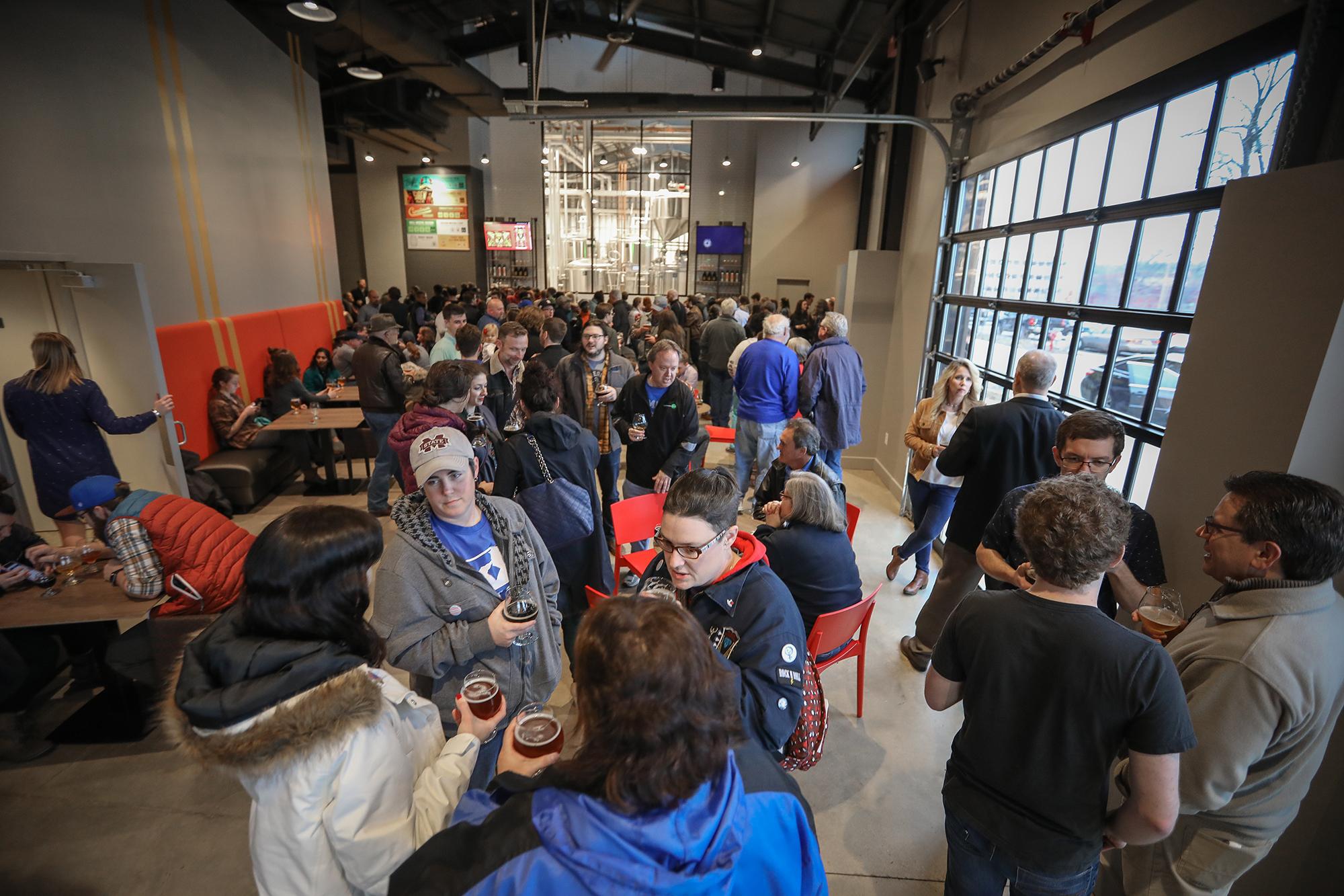 blog_crosstown-brewing-opening1.jpg