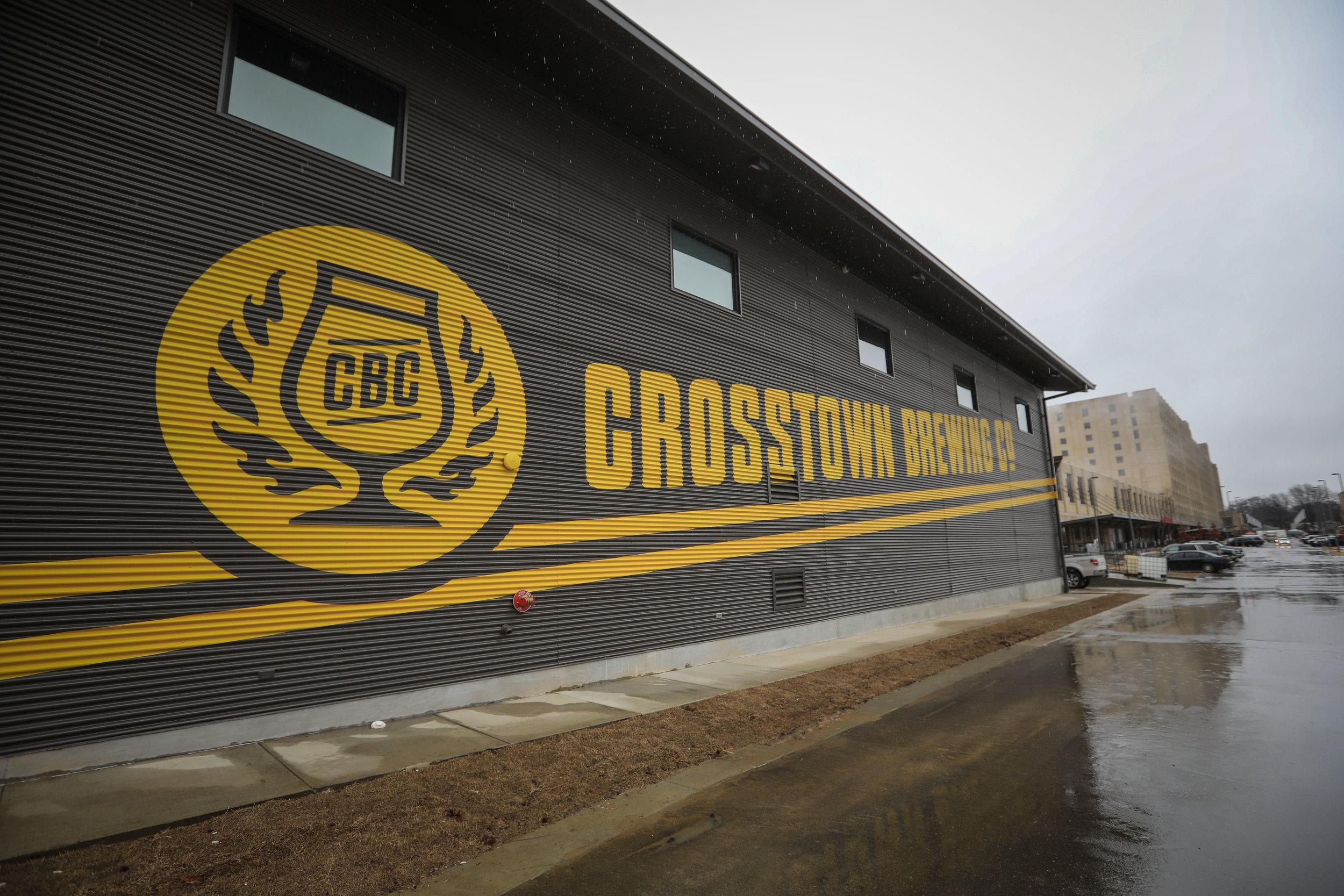 blog_crosstown-brewing-opening11.jpg
