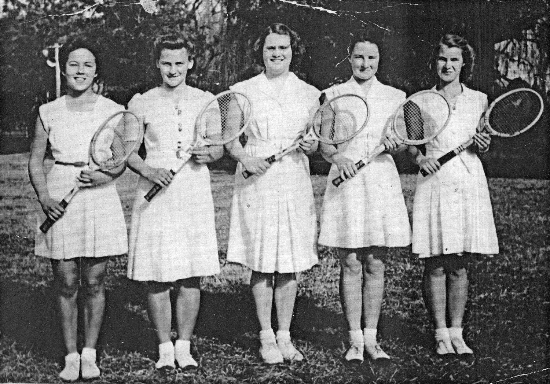 Tennis Team 1945-47.jpg