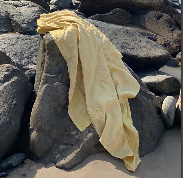 the golden linen beach blanket 🌞