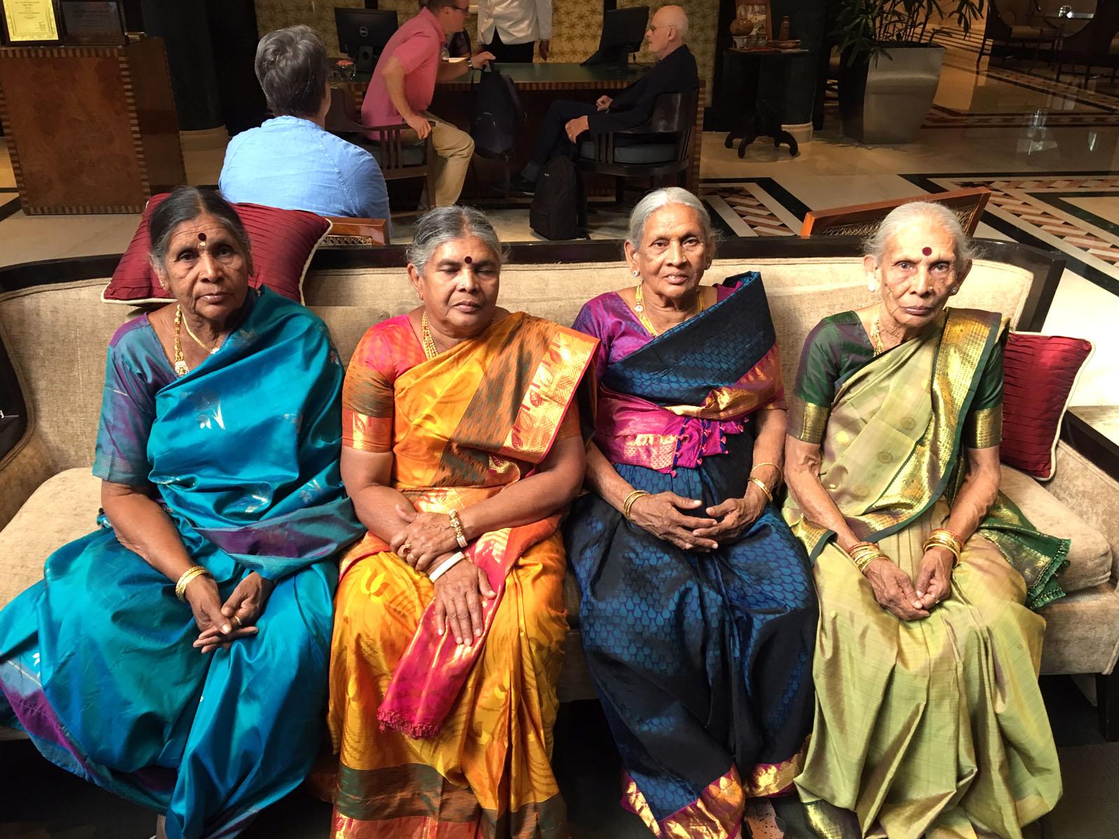 ladies-in-sarees-at-taj-hotel.jpg