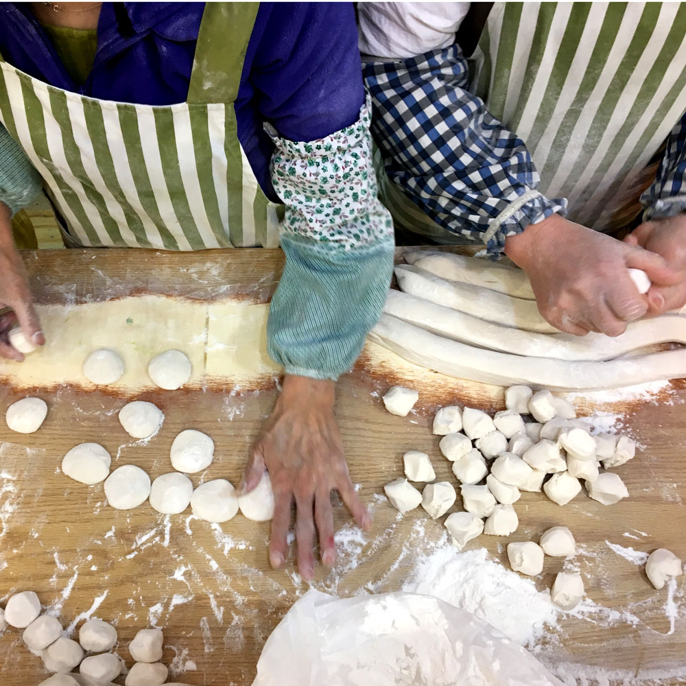 making-dumplings-in-flushing.jpg