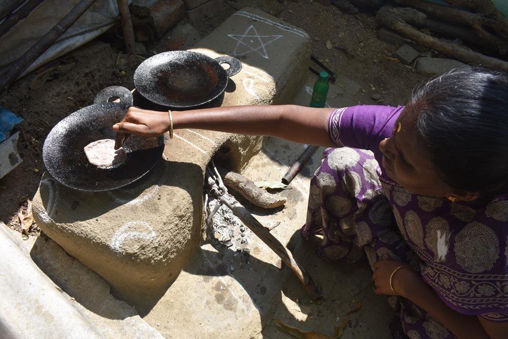 travel-india-making-chapatis-1000.jpg