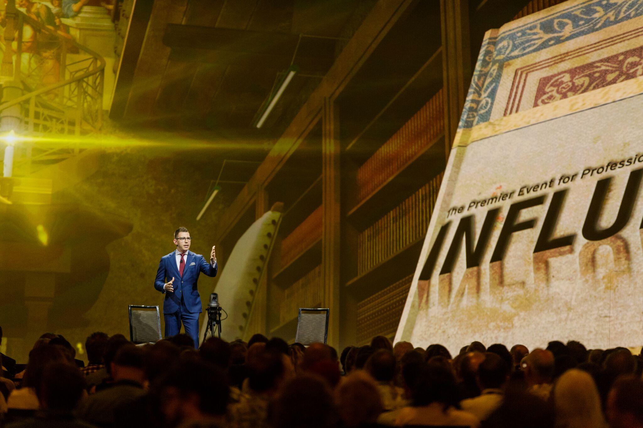 Influence2017StageCrowd Shot.jpg