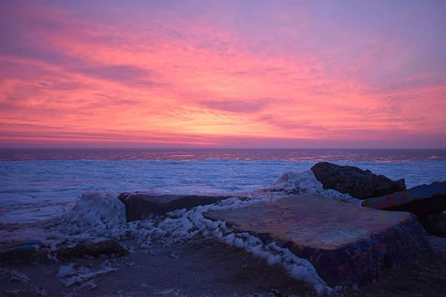 "Photo of the week! Evanston, IL by Carlyn Kranking @cnk.photo ""While the Dance Marathon dancers swayed to ""Here Comes the Sun"" in the tent this morning, the sunrise over the lakefill was breathtaking."" https://www.inournaturemag.com/all/sunrise #photooftheweek #photography #photo #evanston #sunrise #ice"