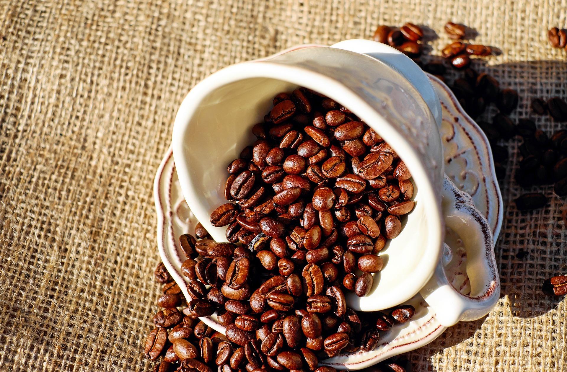 coffee-1576537_1920.jpg