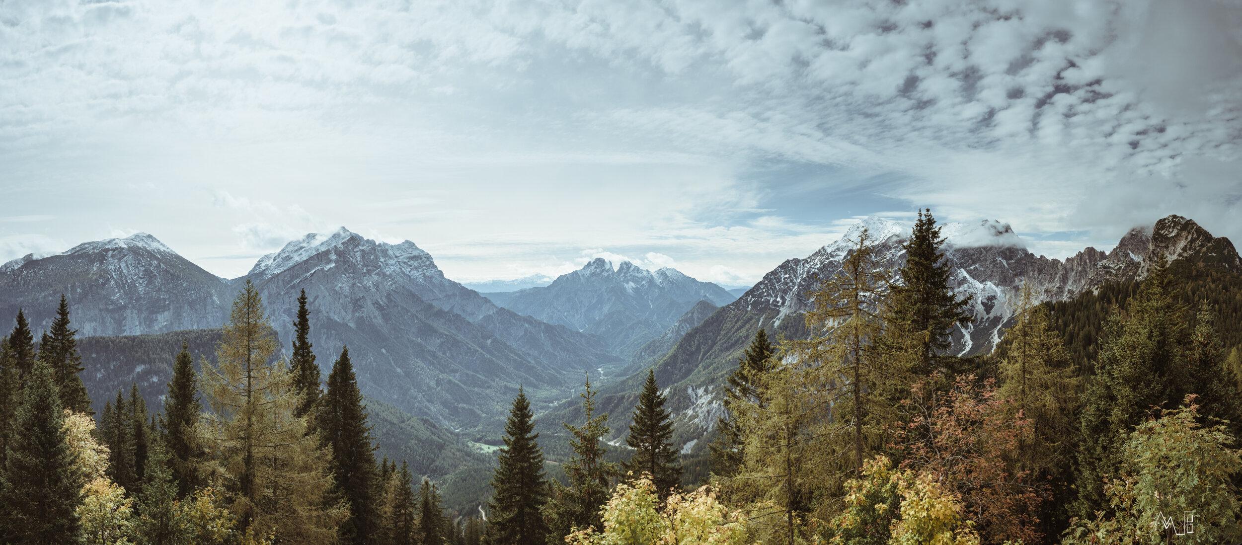 Traumhafter Ausblick von der Ennstaler Hütte Richtung Großer Ödstein, Reichenstein usw.