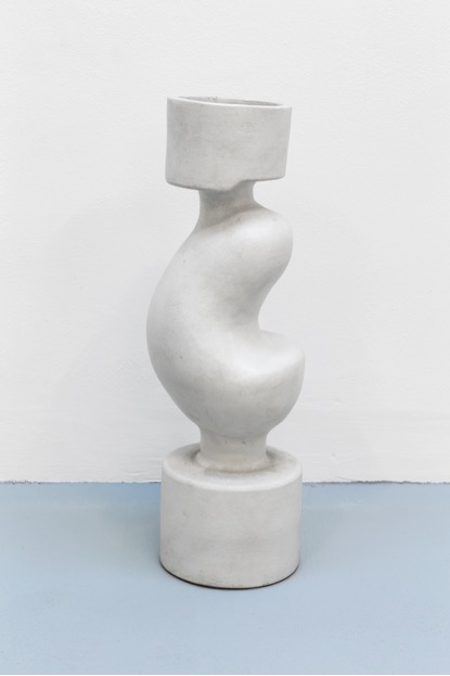 Margrit Linck,  Ohne Titel , 1983, 50 cm (h), terracotta, painted
