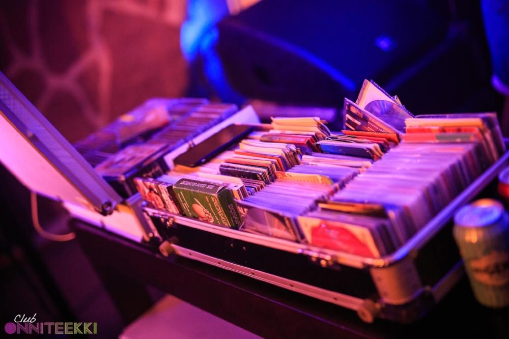 DJ levylaukku Club Onniteekki DJ Tony.jpg