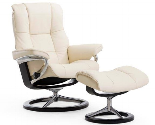 Stressless Mayfair - The soft, elegant reclinerStressless Mayfair has that classic Stressless look you've come to recognize – elegant and laidback. Its cushioning is extra supple and comfortable, and contributes to making this one of our top sellers. The steel frame is set with Flexo-springs, which gives it a durable build and extra sitting comfort. Molded polyurethane cold foam with Comfort Zones gives your body exactly the right amount of support, and our plush polyester fibers provide that gentle touch of luxury. Choose between real leather or fabrics for your favorite finish.