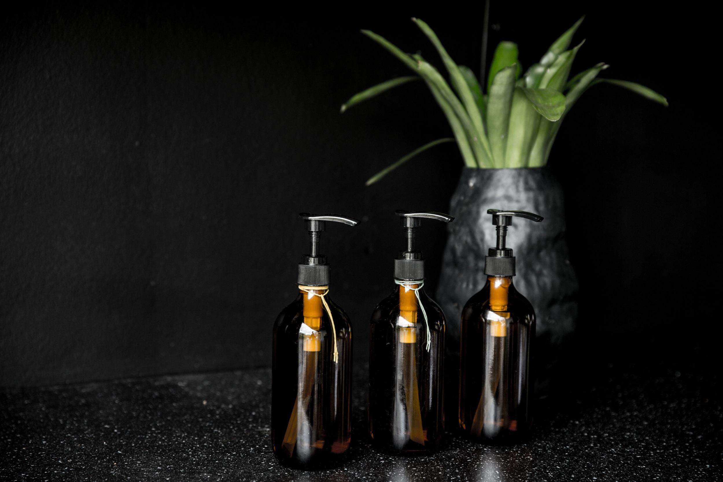 MO+ Oils with Vase.jpg