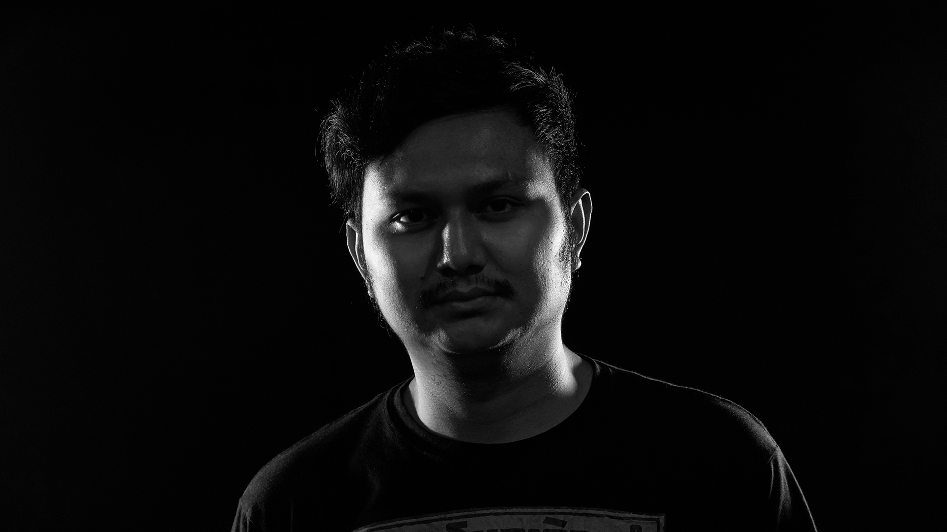 AUNG HEIN THET  FILM INSTRUCTOR  Aung has a sparkling childhood passion for film and got his first diploma in TV broadcasting from the Myanmar Media Development Center in 2013. Since then he has been working as a freelance film director and Joined the Turning Tables Myanmar team in the fall of 2015. Here he is responsible for the production of music videos and conducting participatory film trainings.