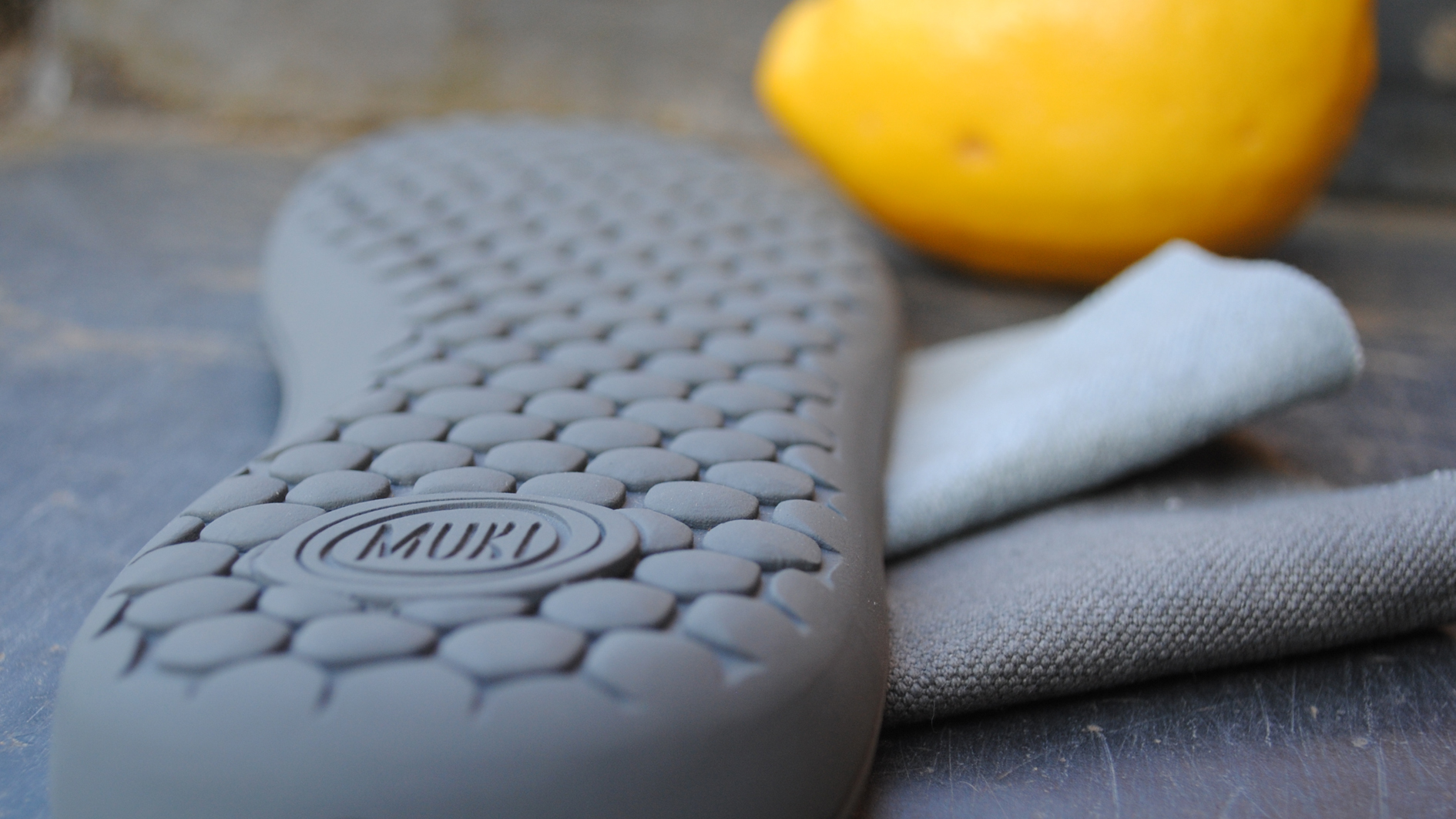 sustainable and organic materials are the base for the MUKI shoes.