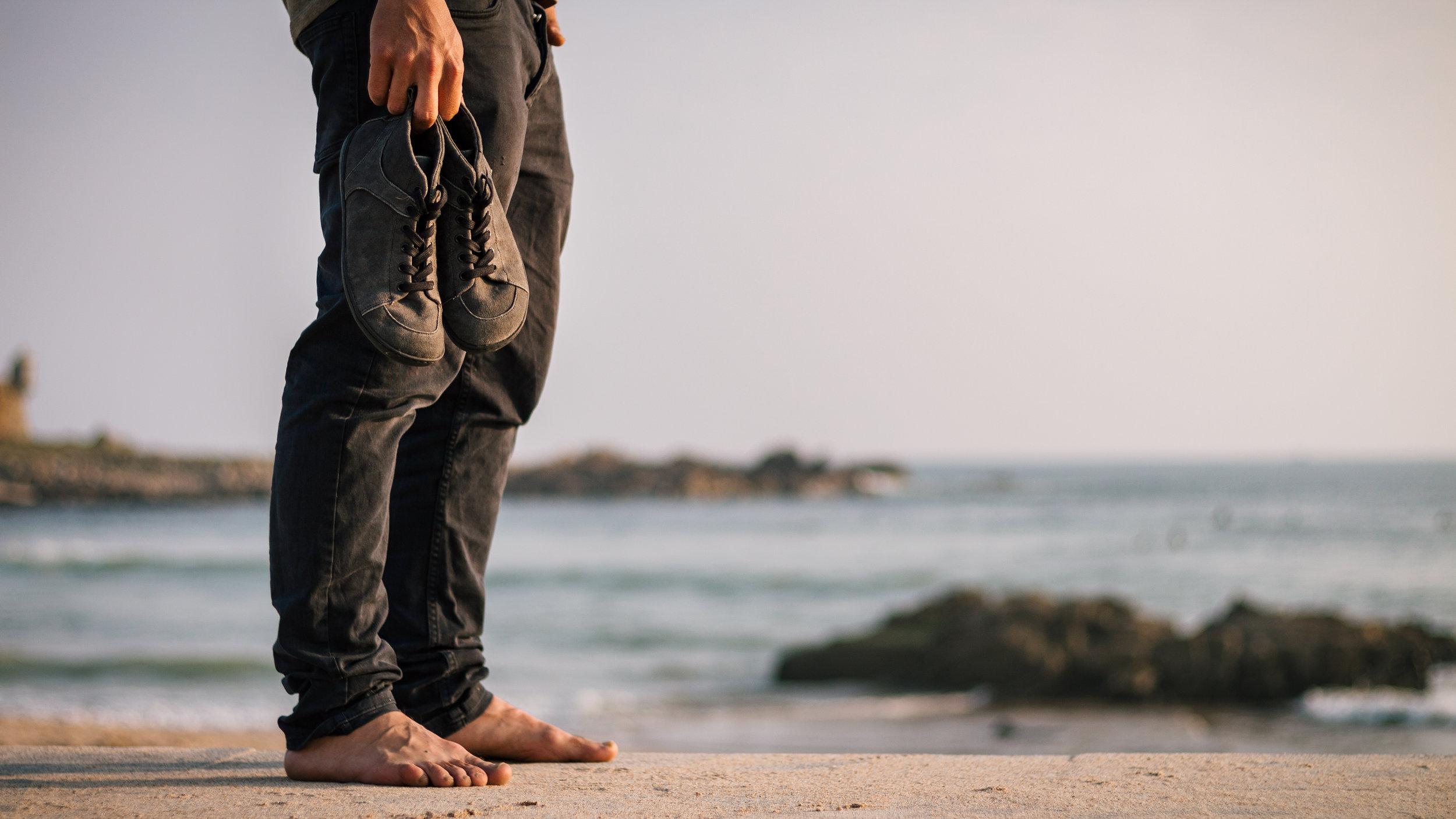 muki barefoot shoes ocean