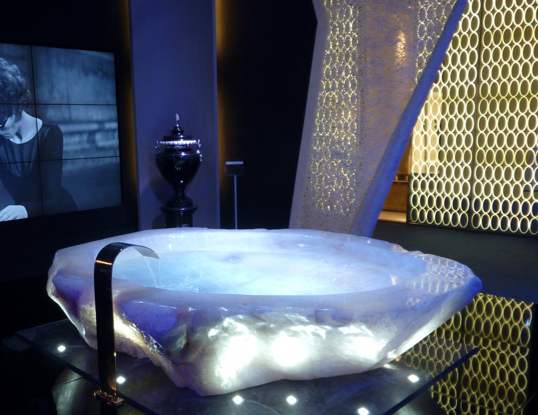 ROCK CRYSTAL TUB - baldi stand, salone del mobile 2012, Milano