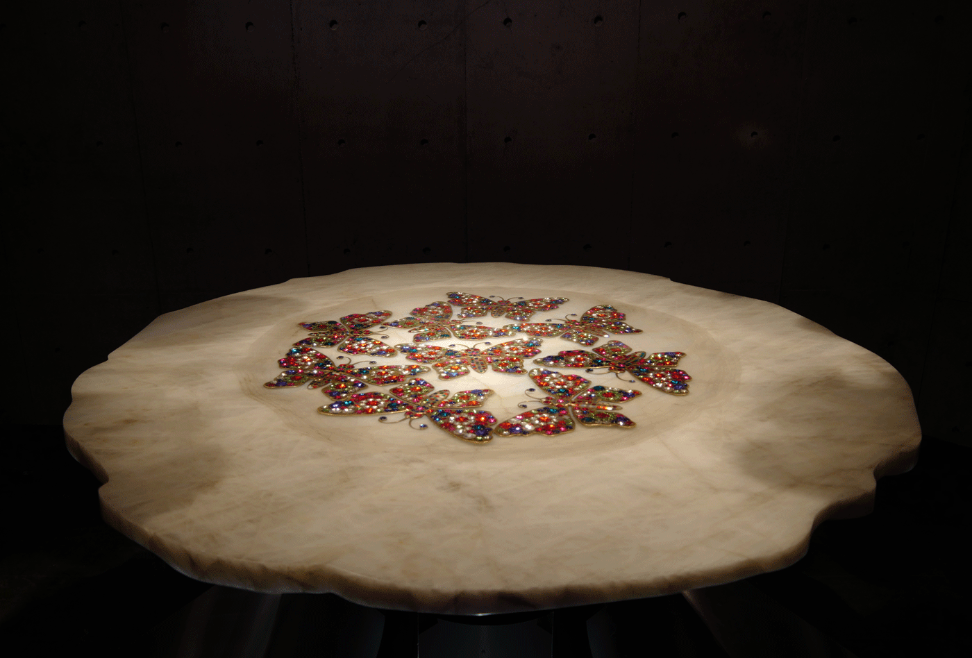 COLLEZIONE DI FARFALLE, rock crystal table with swarovsky butterflies - baldi home jewels, salone del mobile 2019, milano