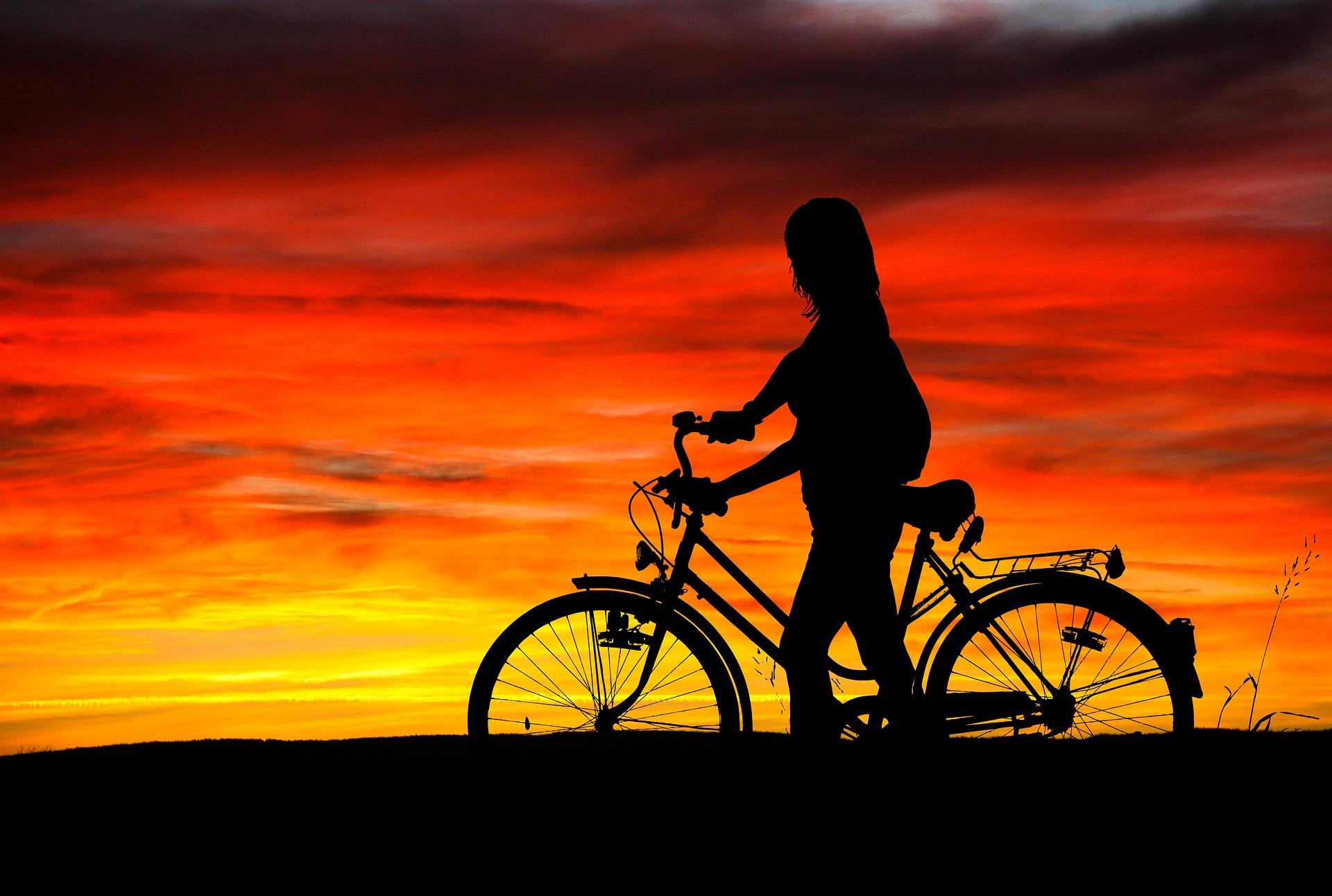sunset-2374412_1920.jpg