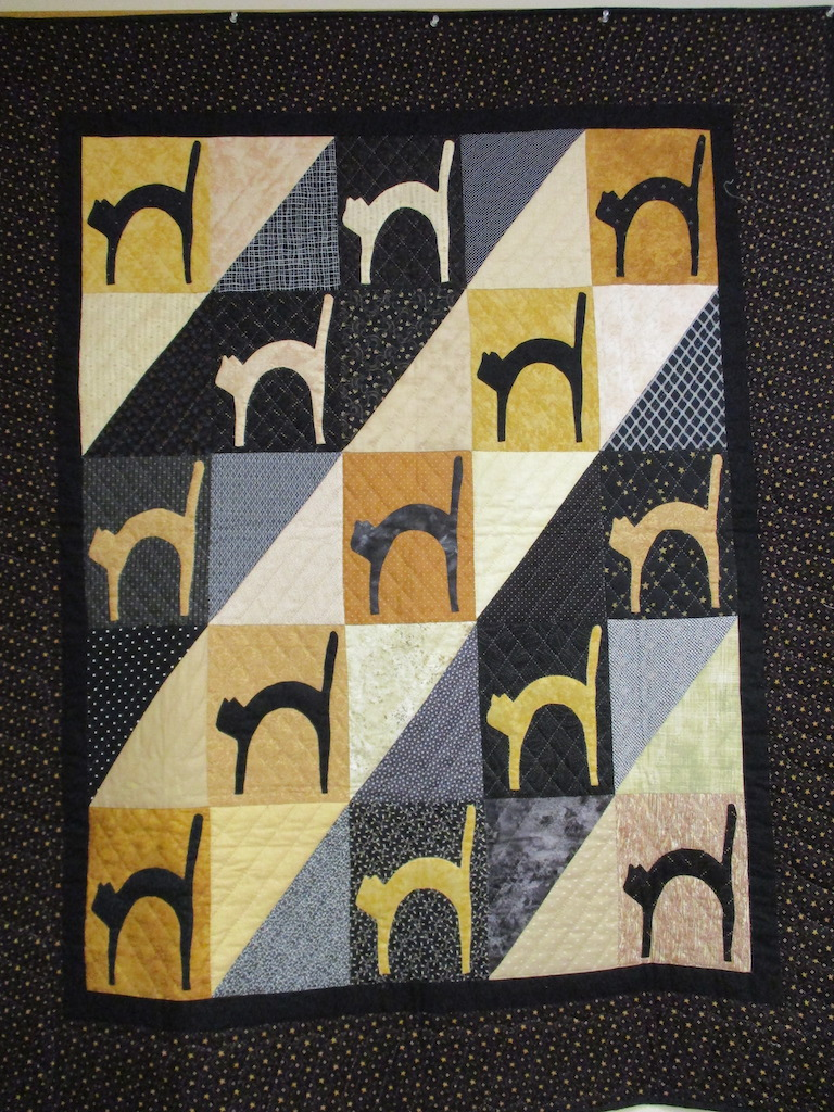 128, SCAREDY CATS (signed and dated), 49x54, Pieced by Rachel Horst, Quilted by Cumberland Valley Relief Center