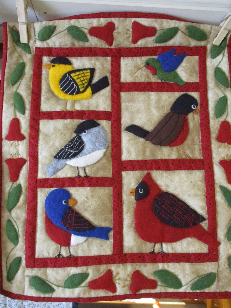230, BACKYARD BIRDS (signed and dated), 13x15, Pieced by Dorothy Crider, Quilted by Fannie Frey
