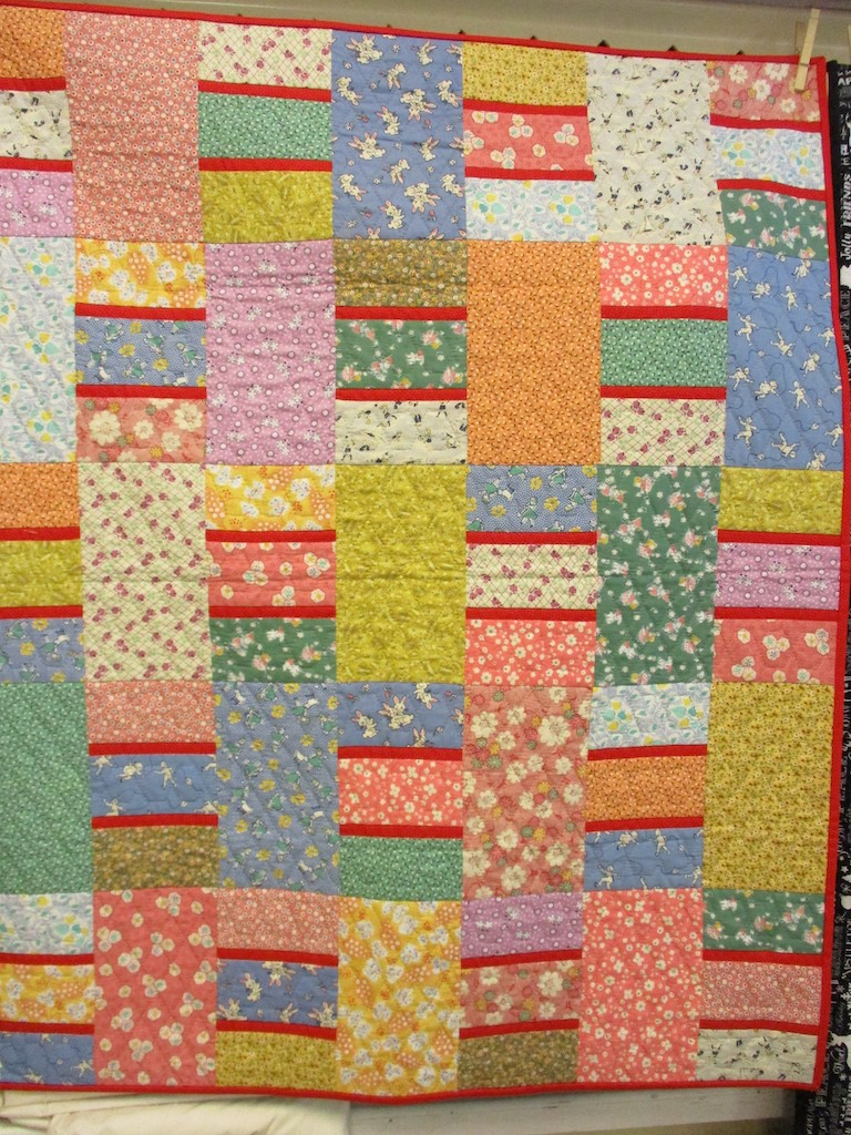 289, DOUBLE DUTCH (signed and dated), 34x42, Pieced and Quilted by Susie DeVos