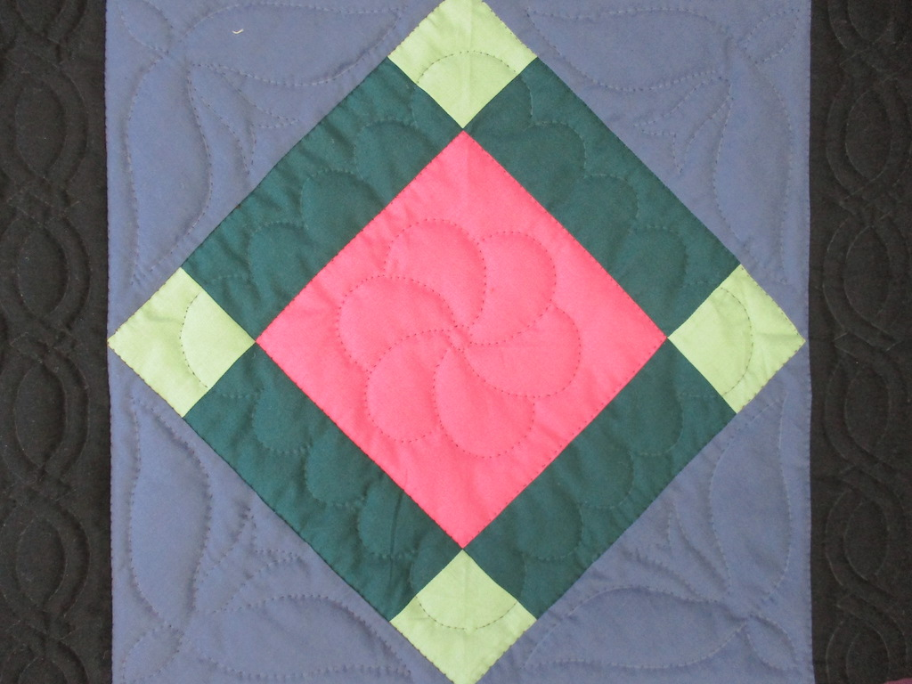 318, CENTER DIAMOND, 23x23, Pieced and Donated by Lucille Groff, Quilted by MCC Volunteers