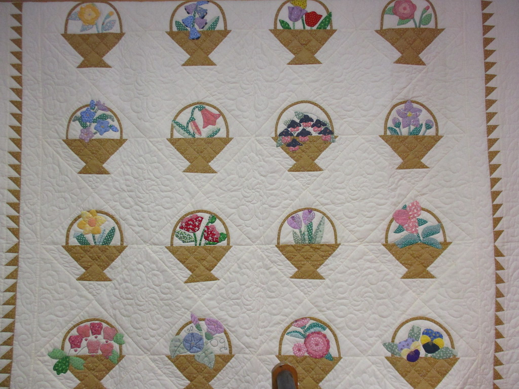 343, FLOWER BASKETS (signed and dated), 85x100, Pieced by Dorothy Crider, Quilted by Myrah Sinko