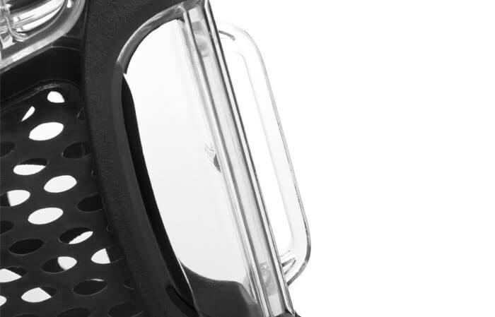 NanoBoucle de ceinture - Les six différents points de fixation des modèles NANUK Nano offrent à l'utilisateur de multiples possibilités. Quatre emplacements le long de l'avant et de l'arrière du corps principal servent de points de raccord simples qui peuvent être accrochés sur la courroie intelligente, mais ils fonctionnent également avec toutes sortes de fixations, y compris des mousquetons, des attaches autobloquantes et des tendeurs. Passez votre bretelle ou votre sangle dans les boucles moulées pour garder votre mallette Nano à portée de main. NANUK a pensé à tout, que vous ayez besoin d'attacher votre mallette Nano à un kayak ou à une combinaison de plongée.