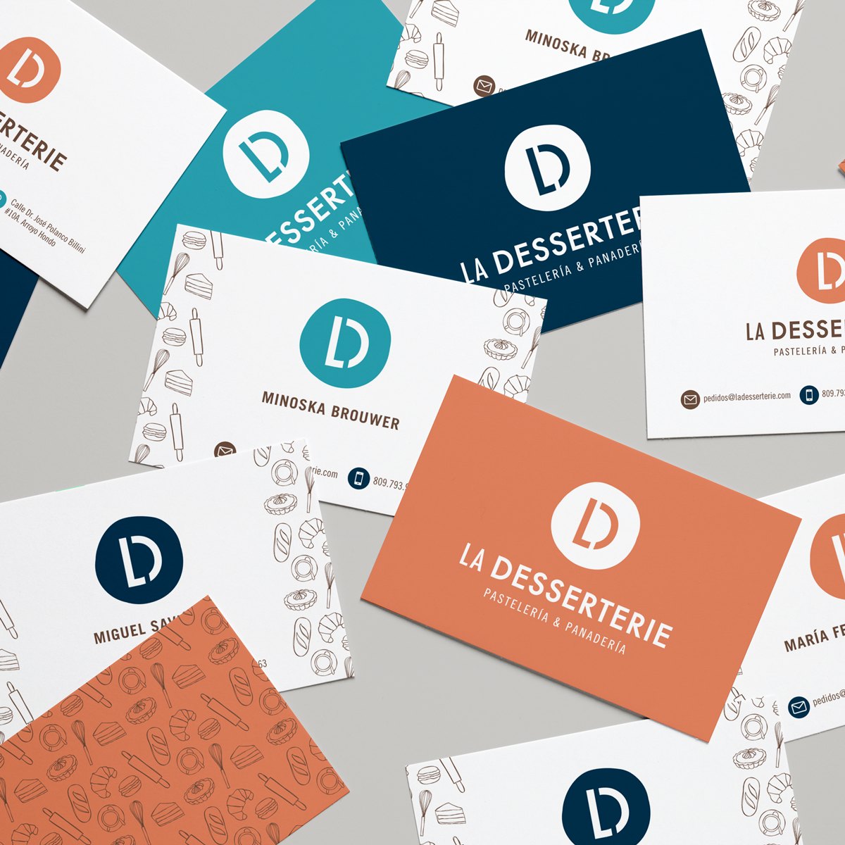 Realistic-Business-Cards-MockUp-4.png
