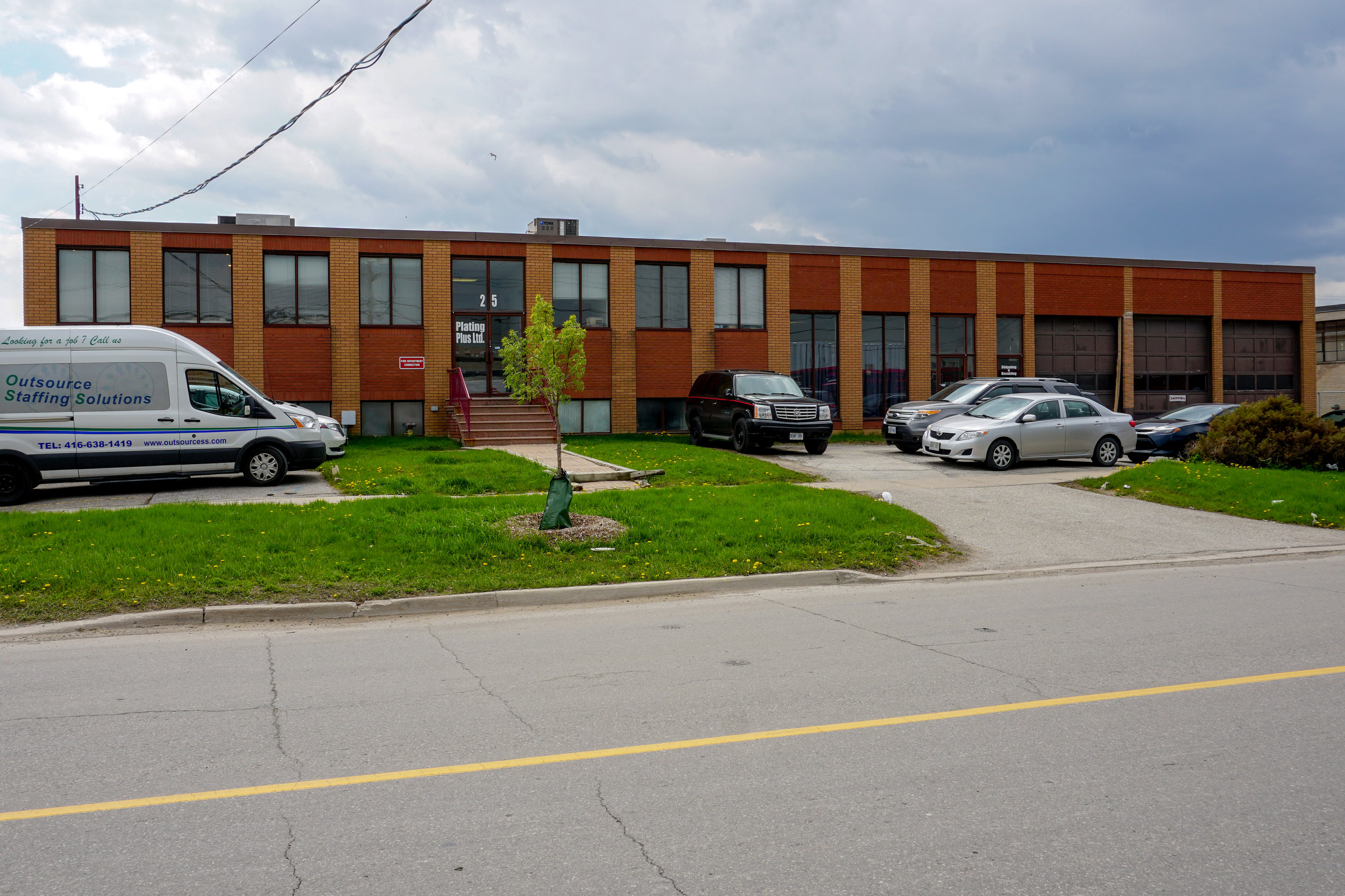 toronto-commercial-space-for-rent-25-racine-road.jpg