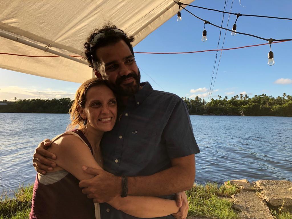 Andres Santos, miembro de el Colectivo El Ancón y fundador de  Deporte Sustentable en Puerto Rico,  y su esposa  Vanessa Raquel Arjona Reichard.