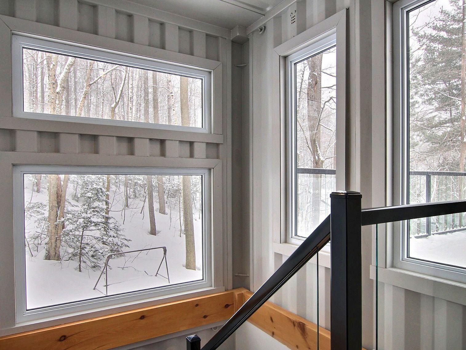 escalier-maison-a-un-etage-et-demi-a-vendre-rigaud-quebec-province-1600-8478619.jpg
