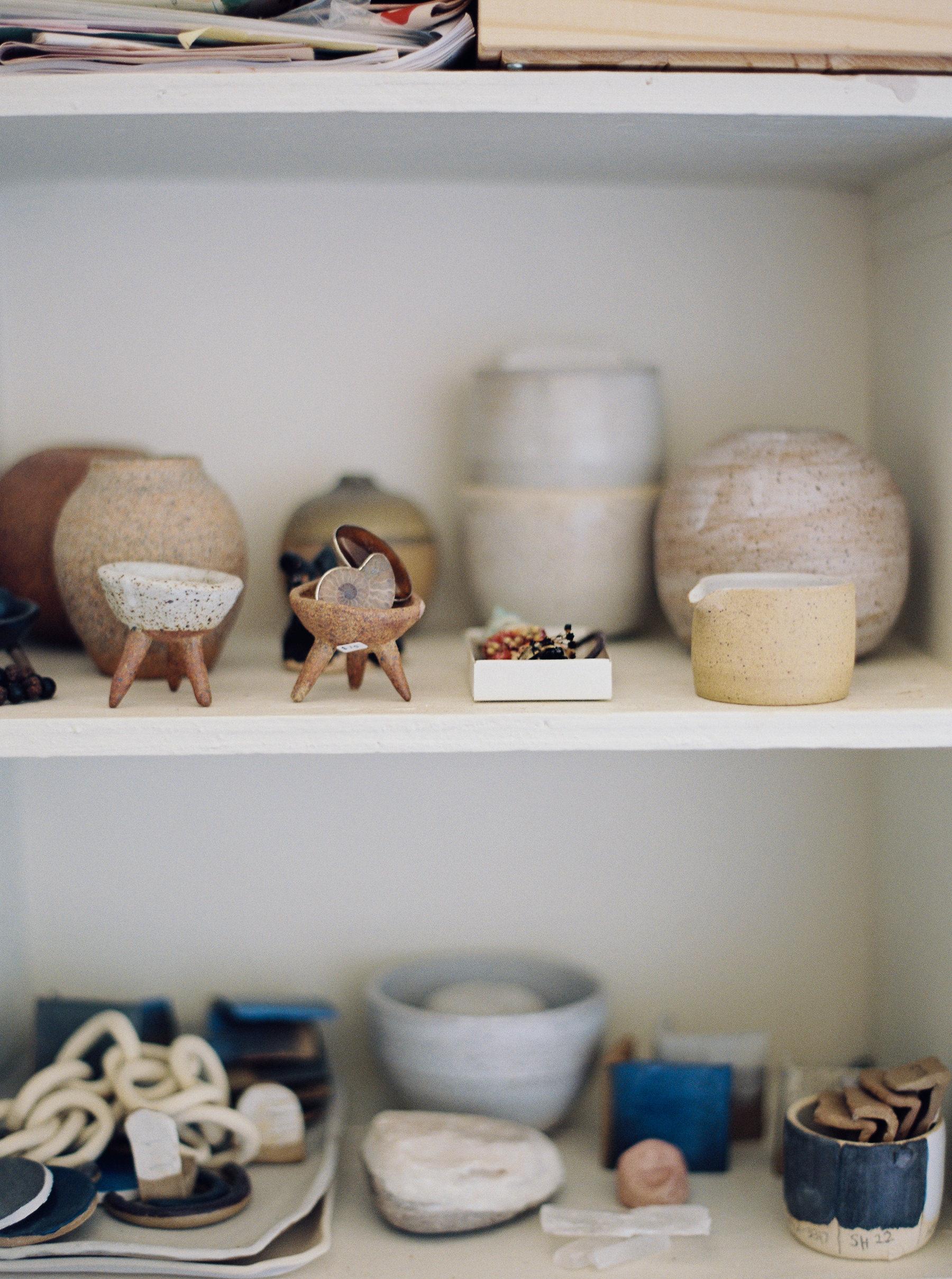 artistprofile-katherinemoes-pottery-annapeters-annapetersphoto-unearthing.tc-6.jpg