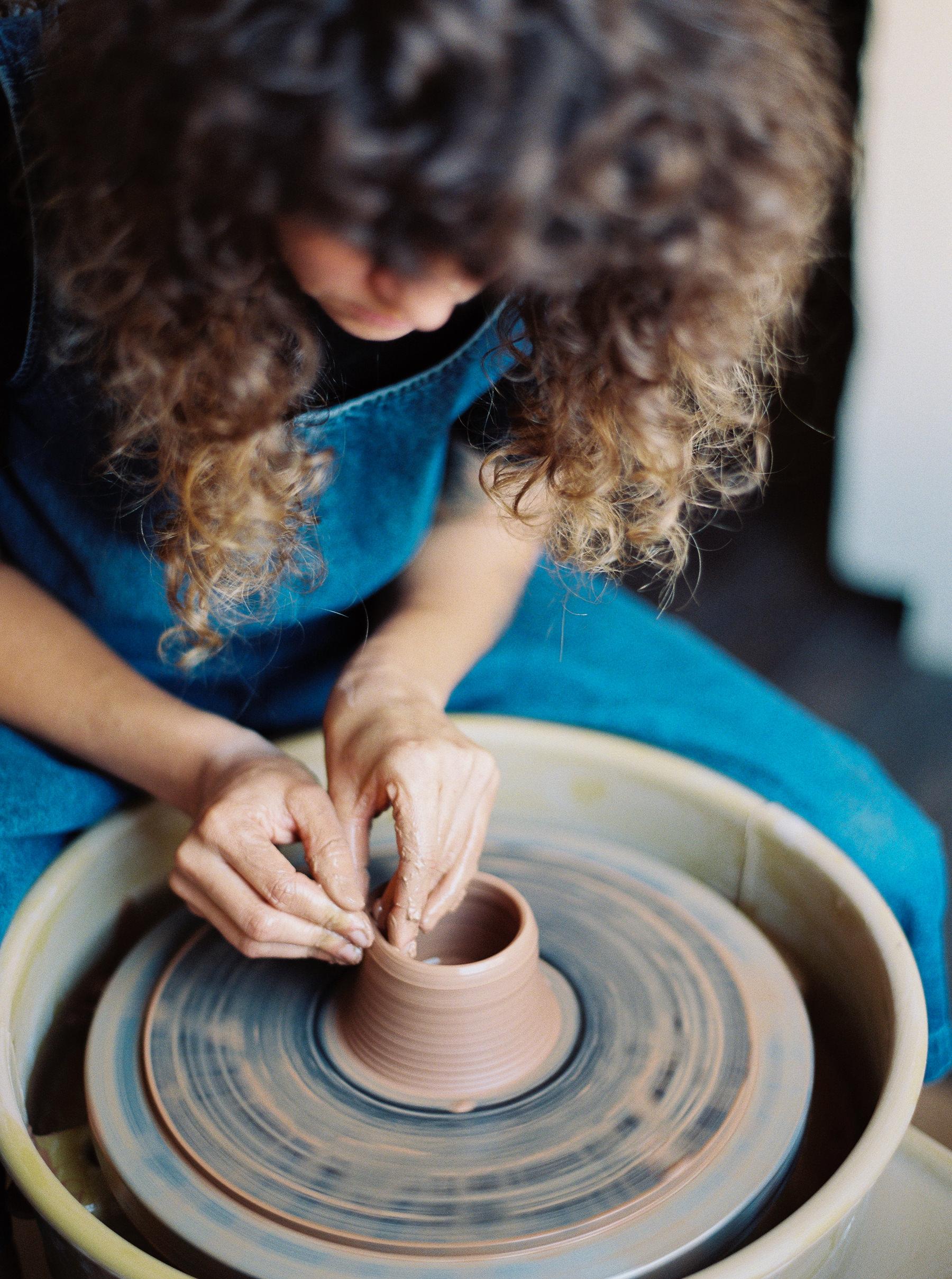 artistprofile-katherinemoes-pottery-annapeters-annapetersphoto-unearthing.tc-10.jpg