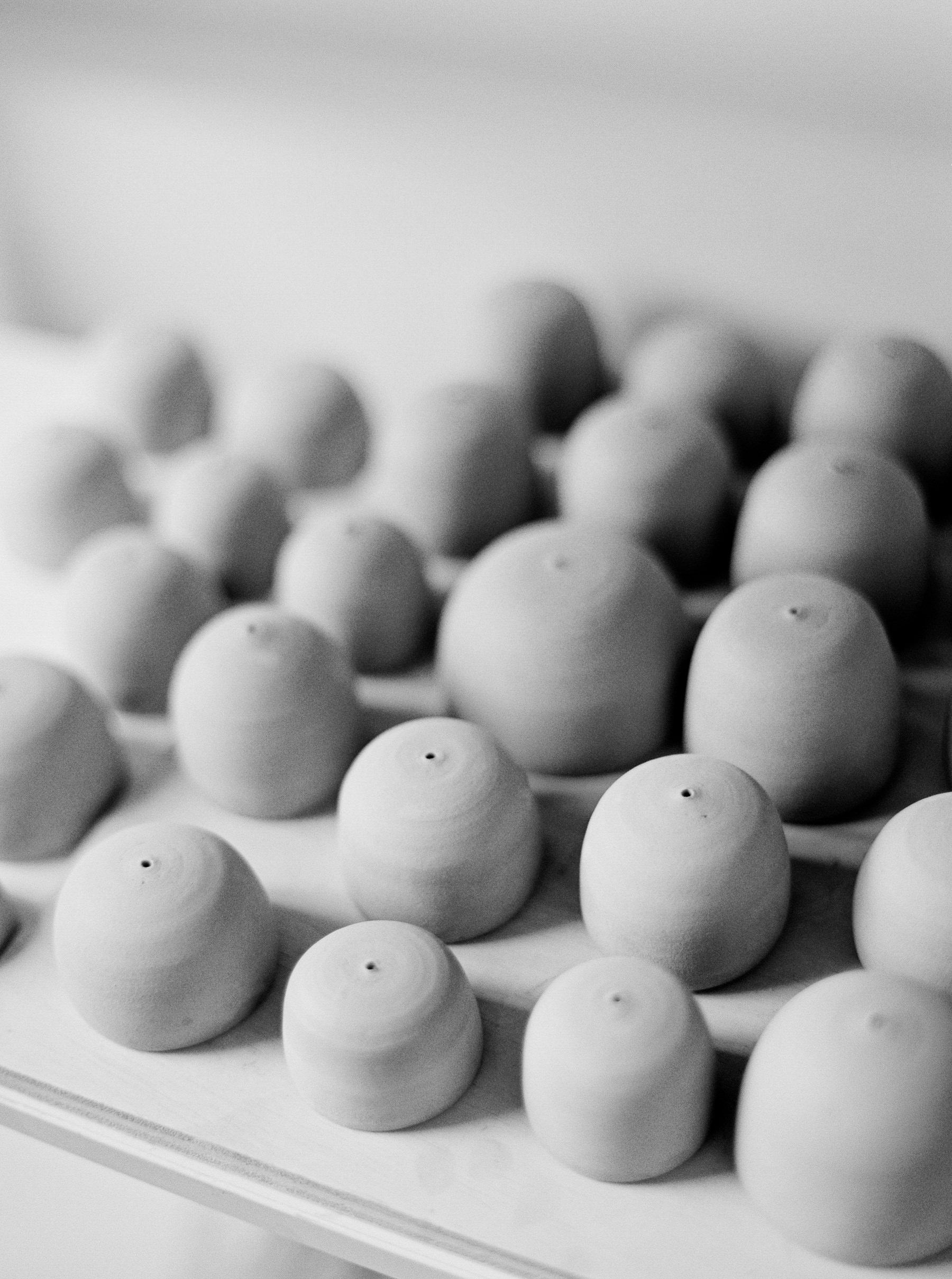 artistprofile-katherinemoes-pottery-annapeters-annapetersphoto-unearthing.tc-11.jpg