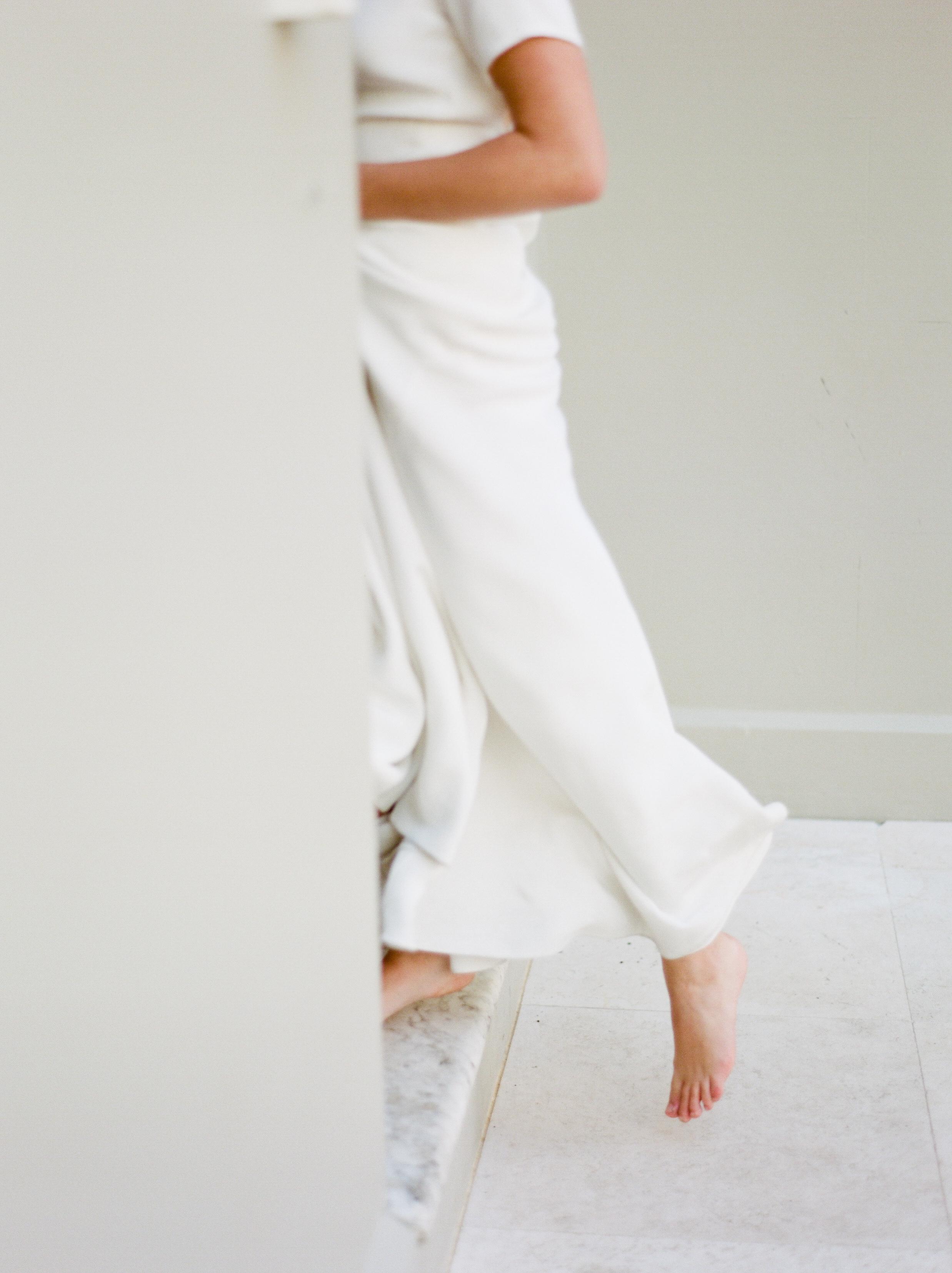 saundrachau-branding-shoot-white-movement-unearthingtc.jpg