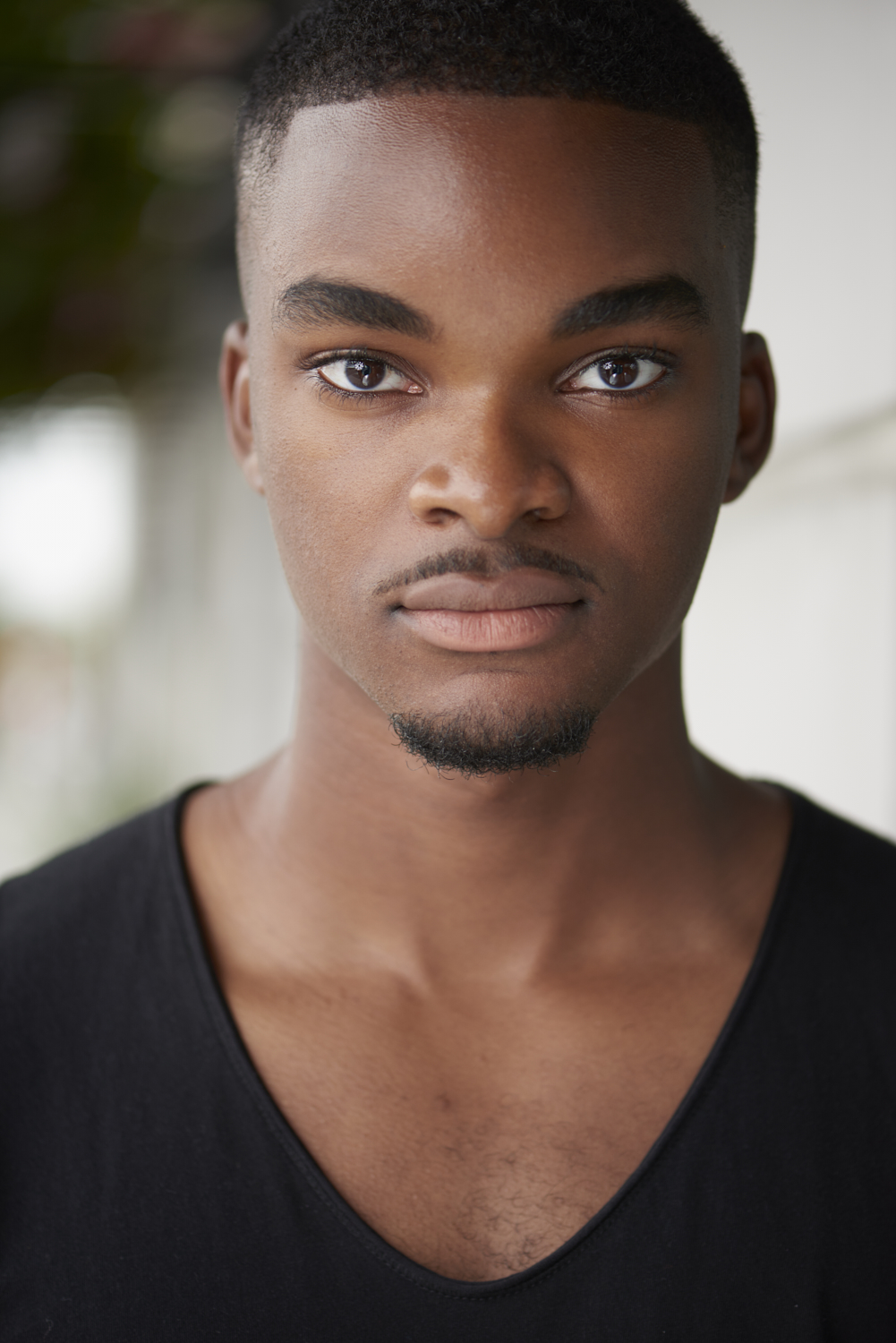 Headshot-session-on-location-with-Michael-3