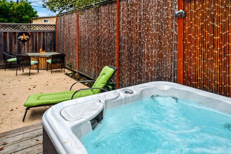 Walking Distance to Rio Del Mar Beach - 2 Bed • 1 Bath • Sleeps 4